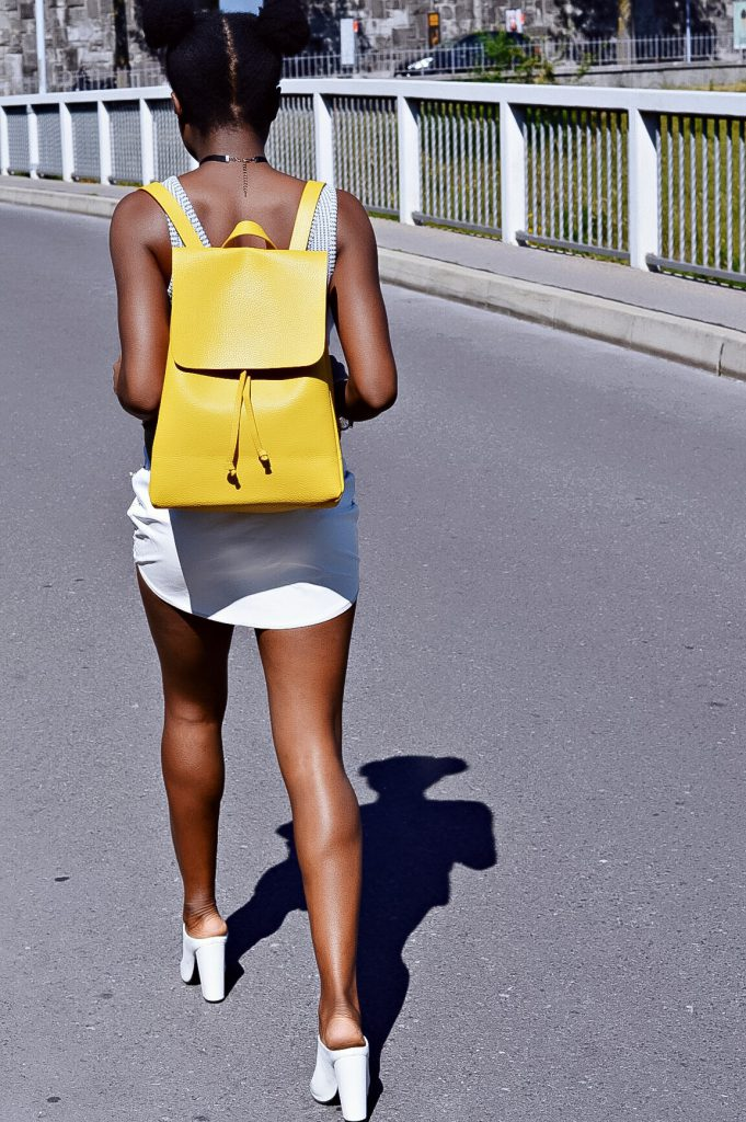 turning-point-how-to-wear-white-on-white-yellow-leather-backpack-lookbook-2016 6