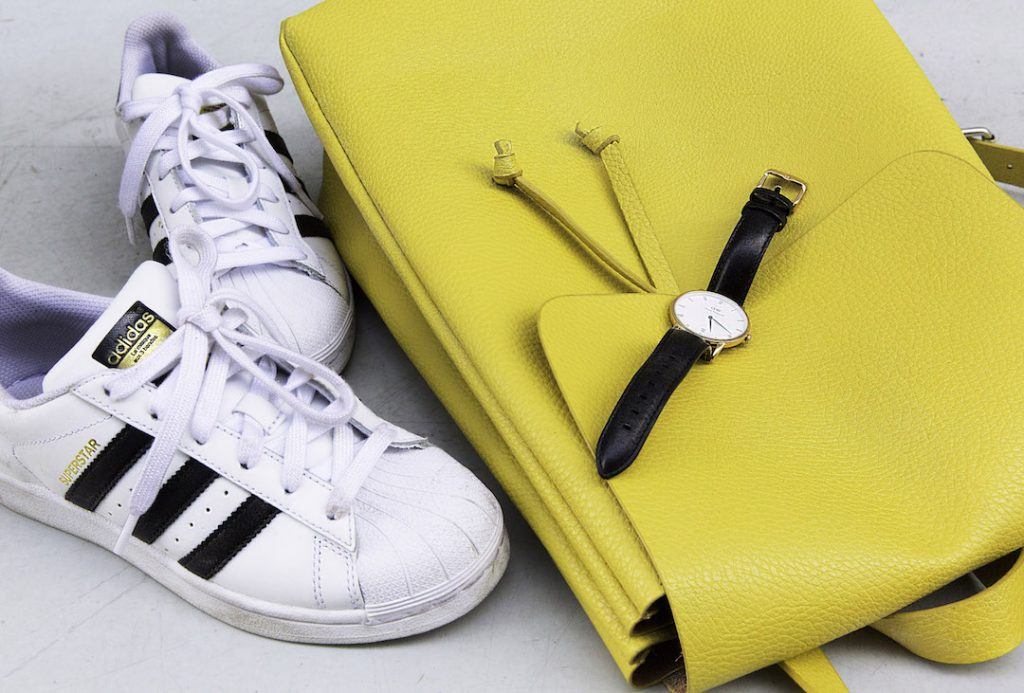 turning_point_blog_a_day_in_the_life_of_a_fashion_travel_blogger-yellow_zara_backpack_white_superstar_adidas