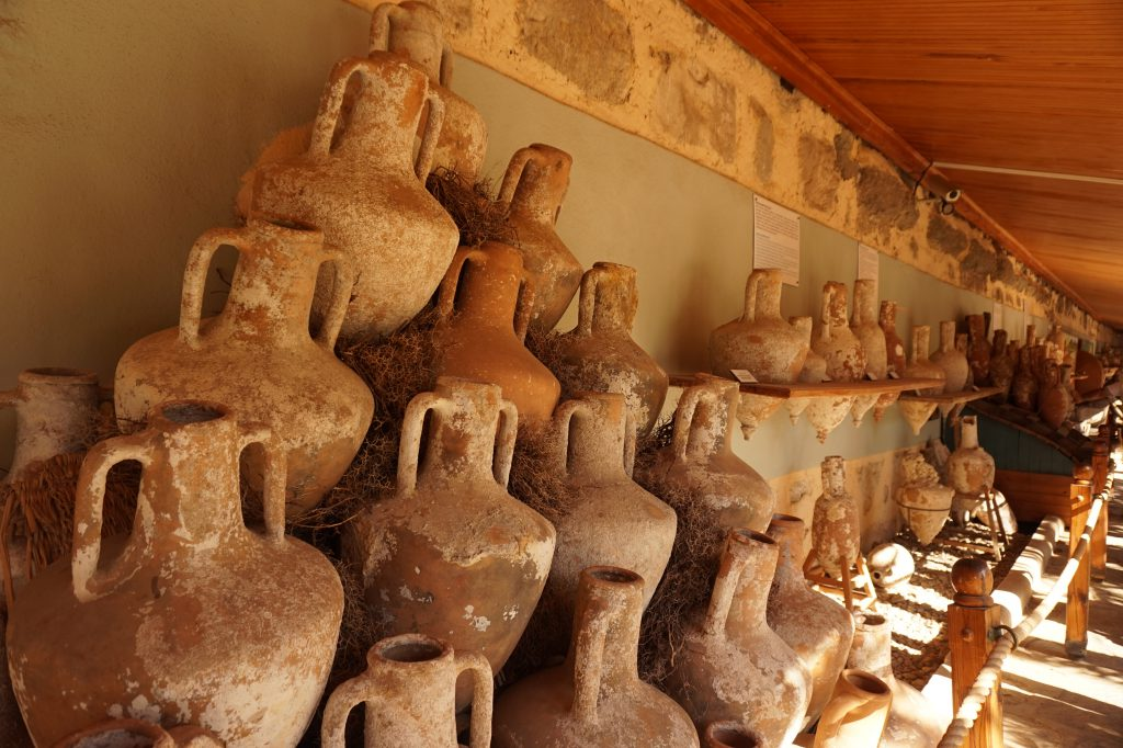 sgturningpoint_blog-trip_to_bodrum-ancient_amphoras-voyage_turquie_amphores