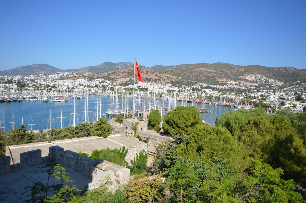 sgturningpoint_blog-trip_to_bodrum-turquoise_coast-blue_cruise_turkey_white_houses