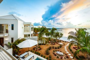luxury-houses-villas-luxe-caraibe-turning_point_blog-sgturningpointcom-turksandcaicos_villacapril_11