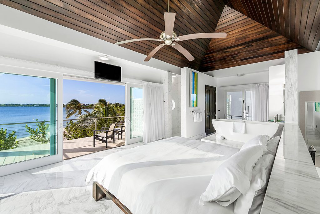 luxury-houses-villas-luxe-caraibe-turning_point_blog-sgturningpointcom-turksandcaicos_villacapril_06
