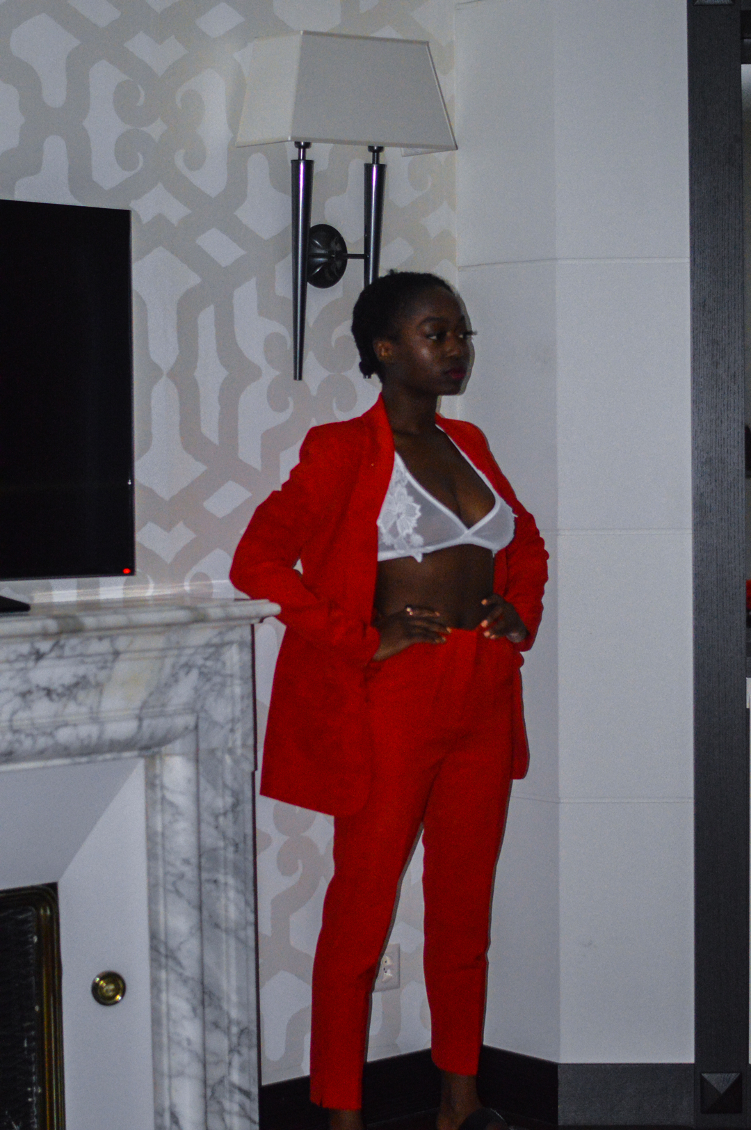 get-the-look-power-red-suit-turningpoint_blog-stephanie_guillaume-suisse-7